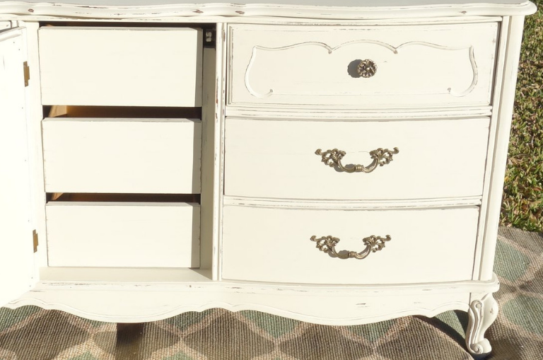 How to Paint a French Style Dresser
