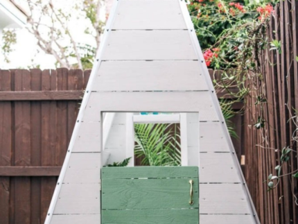 How to Paint a DIY Play House
