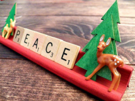 How to Create Christmas Scrabble Tiles