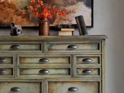 How to Create a Rusty Patina Chest