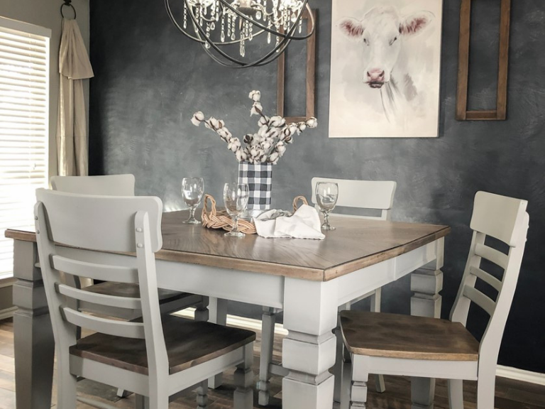 How to Paint a Farmhouse Table