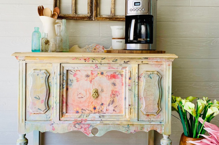 How to Paint with Flea Market Decor