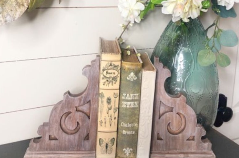 How to Paint DIY Farmhouse Corbels