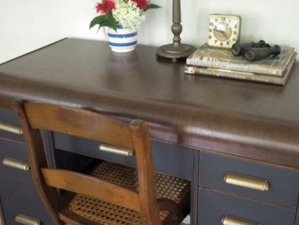 How to Paint a Nautical Desk