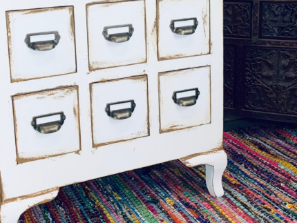 How to Paint a Cabinet