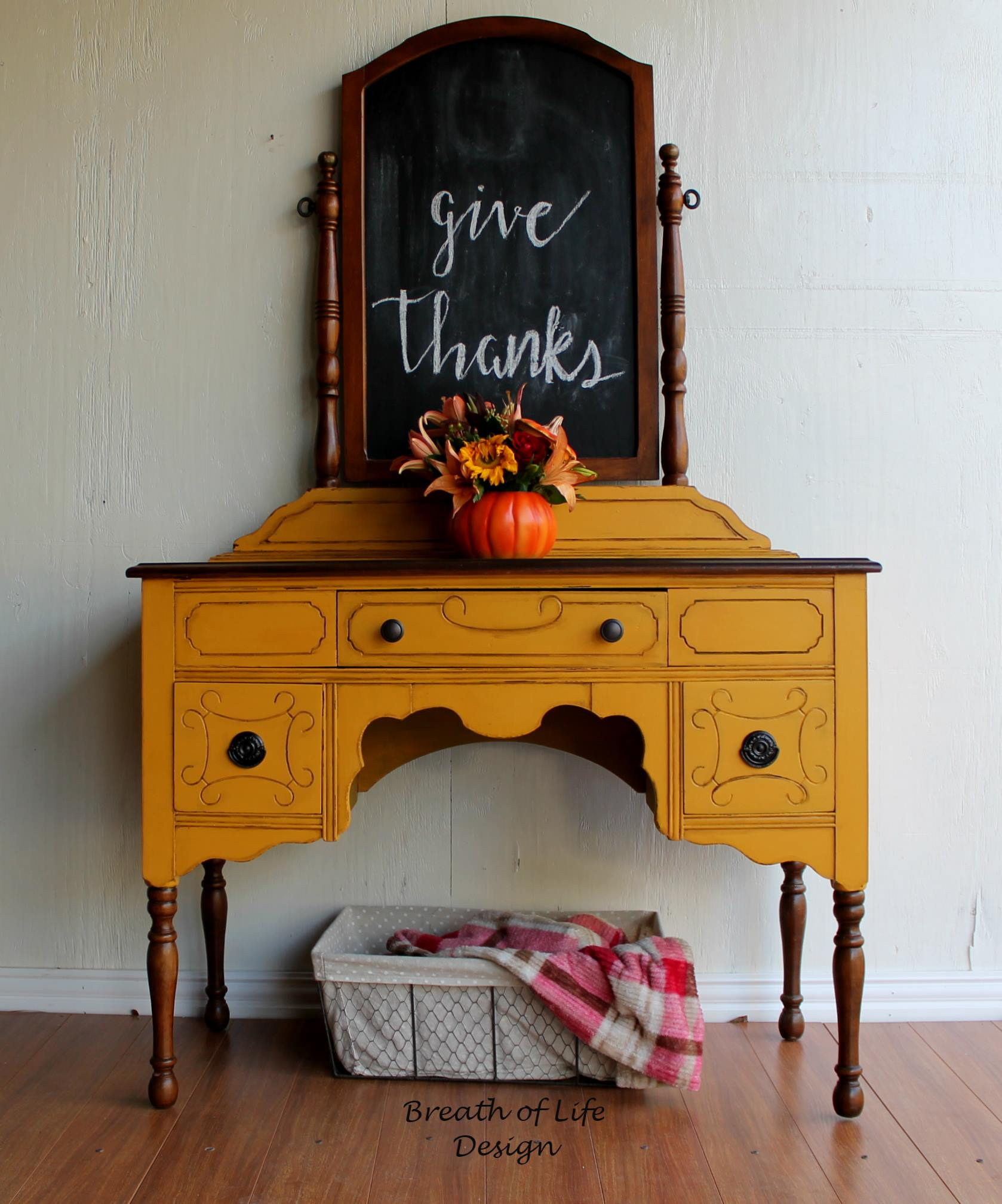 fall-decor-furniture-paint